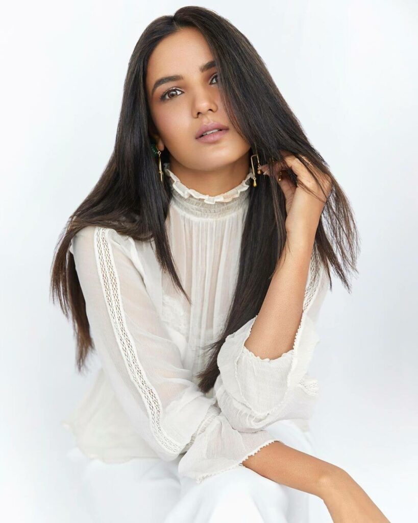 Jasmin Bhasin 3
