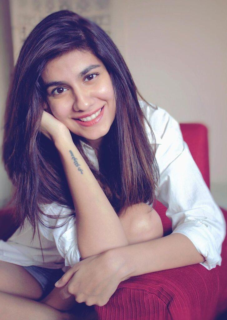 Shreya Dhanwanthary Biography, Age, Family, Boyfriend & Facts
