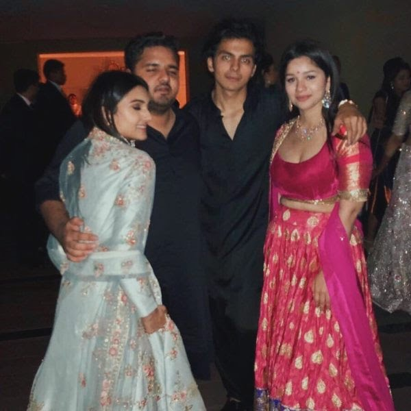 Shikhar Pahariya with Sara Tendulkar and Alaviaa Jaaferi