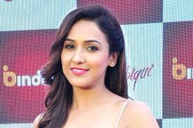 NEETI MOHAN – WIKI, FAMILY, EARLY LIFE, CAREER, AWARDS, FACTS AND MORE