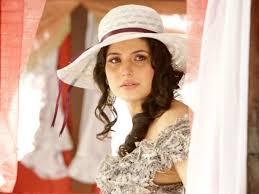 Zareen Khan: Wiki, age, birthday, family, boyfriend & salary
