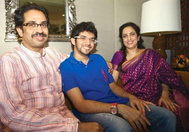 Aditya Thackeray with his parents 768x540 1