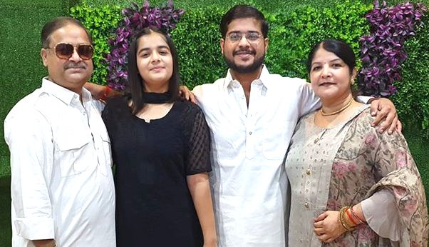 Annu Awasthi with his family
