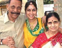 SAKSHI TANWAR - WIKI, TELEVISION, CAREER, FAMILY, AWARDS AND MORE