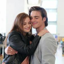 Elle and Noah my new favorite couple ❤ Joey & Jacob | Kissing booth, Movie  couples, Joey king