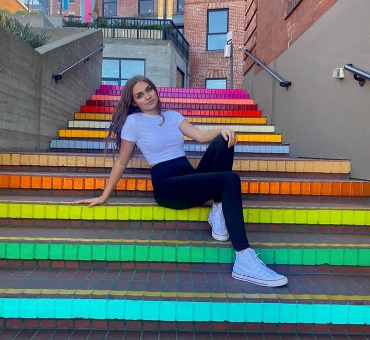 Ariana Lee [TikTok Star] Wiki 2021, Net worth, Height, Weight & more!